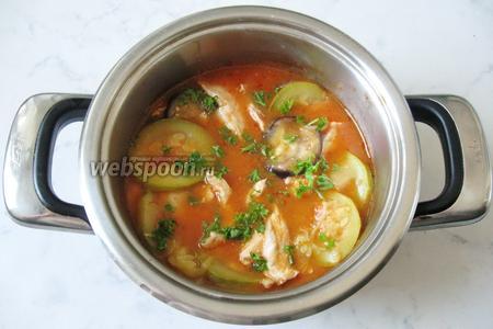 В готовое соте добавить измельчённую петрушку или укроп. Подавать на второе в обед или на ужин.
