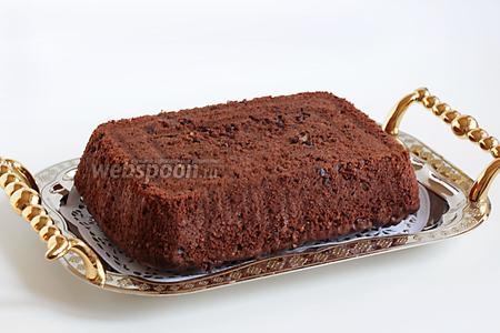 Готовый брауни можно посыпать сахарной пудрой, он получается не очень сладким. Любителям очень сладкого нужно увеличить количество сахара.