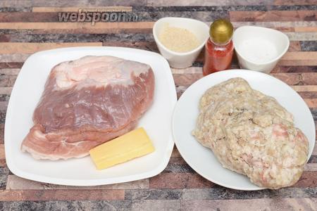 Для приготовления рубленых котлет с сыром вам понадобится свиная мякоть, свиной фарш с луком, перец красный молотый, панировочные сухари, сыр и соль.