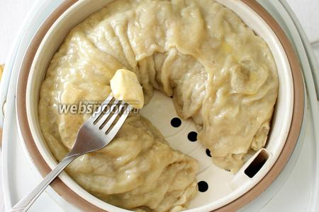 Готовим на режиме «Суп/Кипячение» в течение 1 часа. Готовый ханум смазываем сливочным маслом.