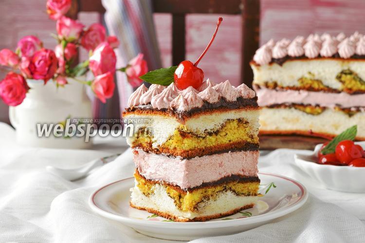 Фото Разноцветные пирожные