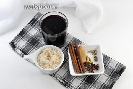 Для работы нам понадобится красное десертное вино, сахар, корица (палочки), бадьян, кардамон, лавровый лист, душистый перец.