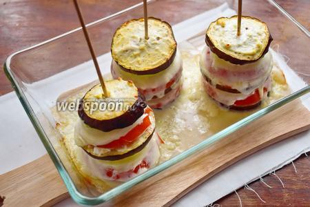 Запекаем наш рататуй при 180°С около 30 минут, пока овощи не станут мягкими.