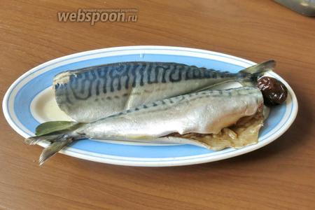 Рыбка готова, поливаем растительным малом, храним в закрытой посуде. Можно использовать в составе салатов. Приятного аппетита!