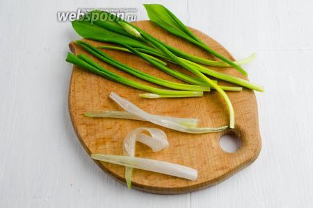 Жареная черемша с яйцами – кулинарный рецепт