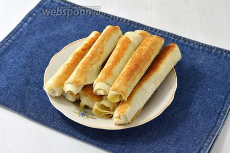 Сырные палочки из лаваша готовы.