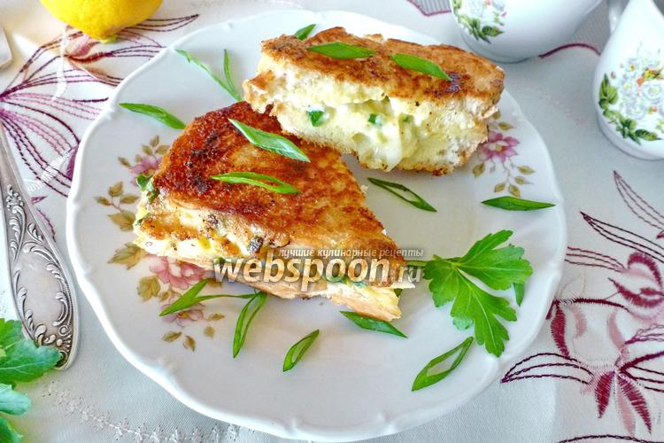 Фото Сэндвич с яйцом на сковороде