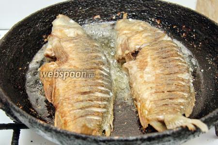 Жарить с двух сторон до румяной корочки. Рыба готова. Приятного аппетита!