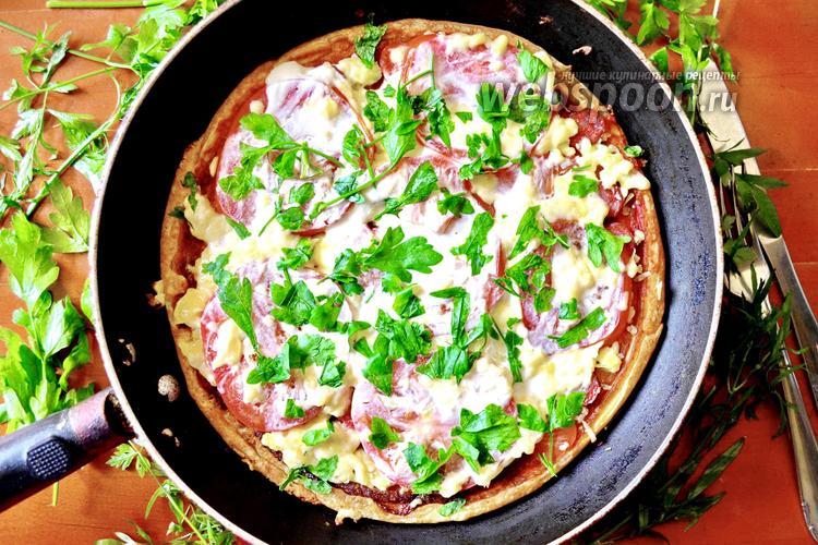 Фото Пицца на кефире на сковороде