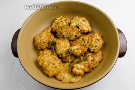 Французские котлеты из куриной грудки готовы. Подавать тёплыми к обеду.