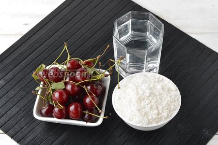 Для приготовления вишнёвого морса нам понадобится вишня, сахар, вода.