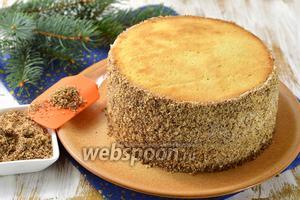 Фото совета Как обсыпать бока торта