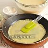 Фото совета Что делать, если блины рвутся и прилипают к сковороде