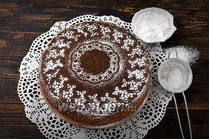 Фото совета Как украсить торт с помощью трафарета