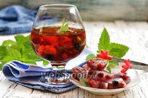 Фото совета Как изготовить цветной лёд для напитков