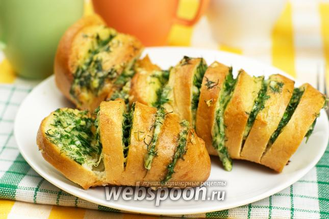 Фото Запечённый батон с сыром и чесноком