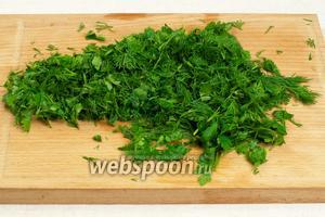 Зелень помыть и мелко порезать.