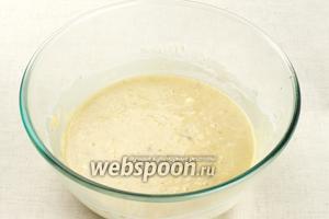 Хорошо перемешать тесто до однородного состояния. Если тесто получается жидкое, можно добавить по паре ложек муки и овсяных хлопьев.