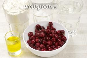 Для приготовления фокаччи с вишней понадобится мука, дрожжи, оливковое масло, сахарная пудра. Вишню предварительно разморозить.