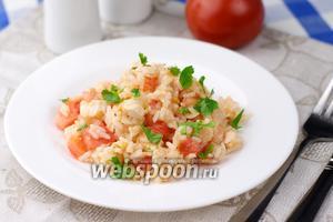 Салат с курицей и рисом
