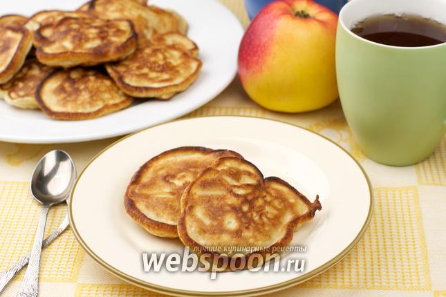 Фото Оладьи с яблоками на кефире