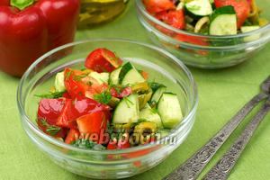 Салат с перцем и огурцом