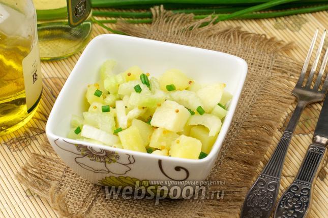 Фото Картофельный салат с сельдереем