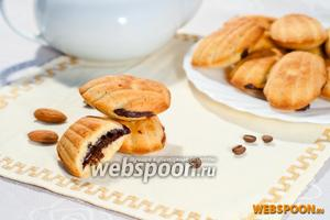 Миндально-шоколадное «Мадлен»