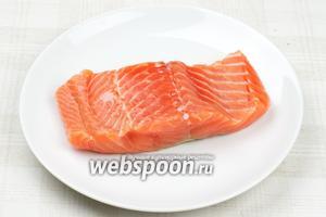 Затем рыбу вынуть из воды и обсушить бумажным полотенцем.   Готовую рыбу хранить в плотно закрытой ёмкости в холодильнике.