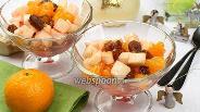 Фото рецепта Салат из мандаринов с имбирным соусом