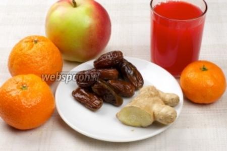 Для приготовления салата возьмём 2-3 мандарина, 10 фиников, 1 кисло-сладкое яблоко, сок апельсиновый или сок красного сицилийского апельсина как у нас, свежий имбирь и щепотку сухой мяты.