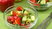 Фото рецепта Салат с перцем и огурцом