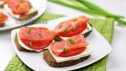Фото рецепта Бутерброды с лососем и фетаксой