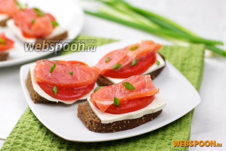 Фото Бутерброды с лососем и фетаксой
