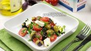 Фото рецепта Салат из фетаксы с помидорами черри