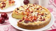 Фото рецепта Пирог со сливами и миндалём