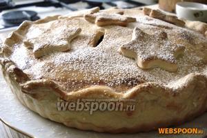 Выпекать пирог при 190 °С примерно 40-50 минут. Подавать тёплым.