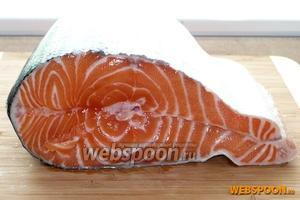 Для приготовления вам понадобится любая свежая красная рыба, в любом количестве, соль и сахар в равных пропорциях.