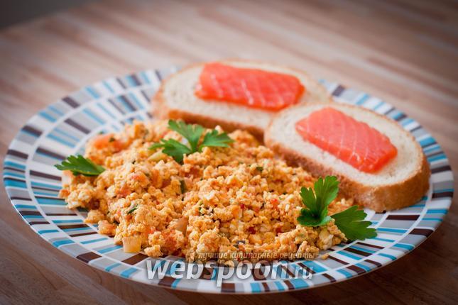 Фото Болтунья с помидорами
