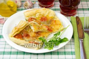 Пирог с сыром и томатами