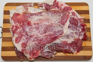 Отбиваем мясо как на отбивные.