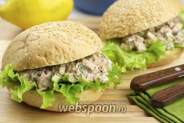 Фото Бутерброды с тунцом и сельдереем