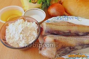 Для приготовления бутербродов нужно взять свежий минтай, репчатый лук, майонез жирностью 67 %, батон, растительное масло, муку, зелень укропа и соль.