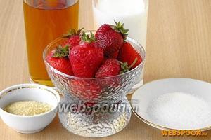 Для приготовления мусса из кефира и клубники нужно взять кефир жирностью  3,2-3,6 %, свежую клубнику, яблочный сок, желатин и сахар.