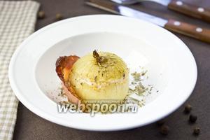 Печёный лук с пармезаном