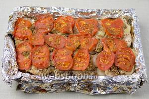 Готовое блюдо можно посыпать любимой зеленью и подавать к столу горячим.