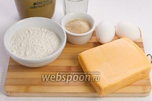 Основные ингредиенты: сыр, мука, яйца, масло подсолнечное, вода и панировочные сухари.