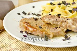 Нежная говядина под сметанно-сырным соусом