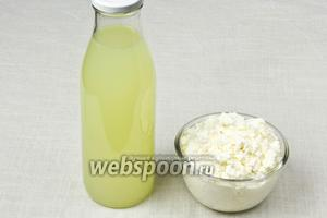 Из 2-х литров молока на выходе получается 400 грамм рикотты, а из сыворотки — прекрасная выпечка.
