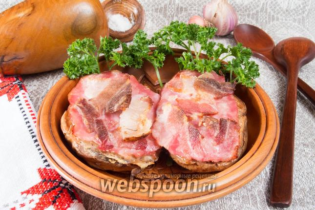 Фото Фаршированный запечённый картофель с беконом